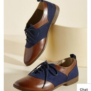 Leather lace up Oxford shoes blue and brown